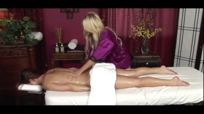 madison-ivy-and-karlie-montana-spend-intimate-evening-together.mp4