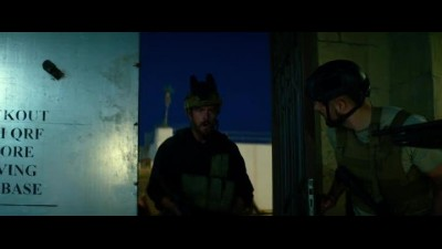 Náhled 13.Hours.The.Secret.Soldiers.of.Benghazi.2016.BDRip.x264.CZ-TreZzoR.mkv (9)