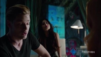 Shadowhunters S01E01.avi