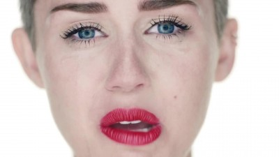 Miley Cyrus - Wrecking Ball (official video) (HD) (1080p).mp4