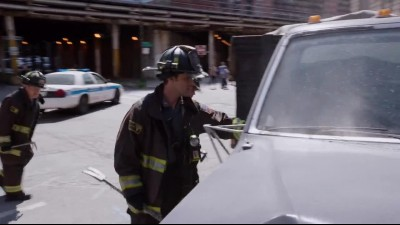 Chicago.Fire.S05E02.720p.x264-KILLERS.mkv (6)