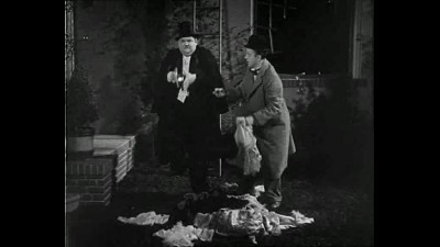 Laurel and Hardy - Our Wife-Laurel a Hardy se zeni.avi