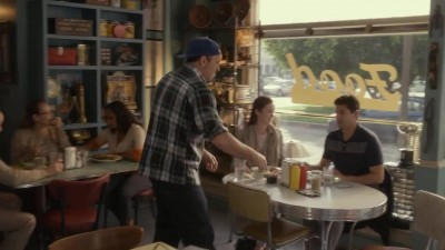 Gilmore.Girls.2016.S01E02.720p.WEBRip.x264-TheRival.mp4