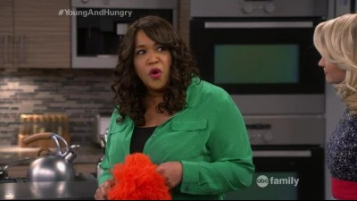 Young and Hungry S02E06.mp4 (0)