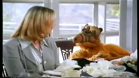 ALF vs. USA  army CZ dab DVDRip.avi