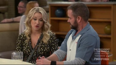 Young.and.Hungry.S04E07.HDTV.x264-FLEET.mkv (5)