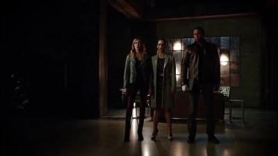 Arrow-S03E22---cz-tit..avi (8)