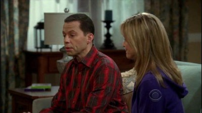 Two.and.a.Half.Men.S09E05.A.Giant.Cat.Holding.a.Churro.HDTV.XviD-FQM.avi