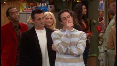Joey.S02E13.Joey.a.vanocni.party.WS.DVDRip.XviD.CZ.avi (2)
