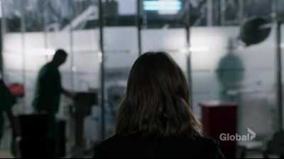 The.Blacklist.S04E15.HDTV.x264-Nicole.mkv (8)