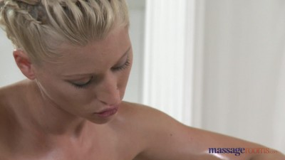 [MassageRooms] Lola, Uma, Tommy - (Lola and Uma on Tommy).mp4