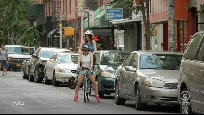 Broad.City.S03E01.HDTV.x264-Nicole.mp4 (9)