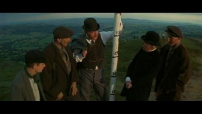 Anglican, ktery vylezl na kopec (a slezl z hory) - The Englishman Who Went Up a Hill But Came Down a Mountain (1995) CZ.avi (0)