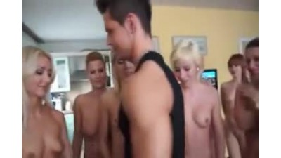 guy-and-a-lot-of-girls.mp4 - DATATOR.cz