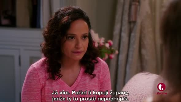 Devious-Maids---S03E05---The-Talk-of-the-Town-CZ-tit.avi