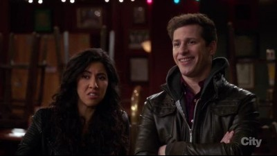 Brooklyn.Nine-Nine.S04E22.HDTV.x264-KILLERS.mkv (2)