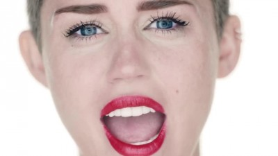 Miley Cyrus - Wrecking Ball -.mp4 (3)