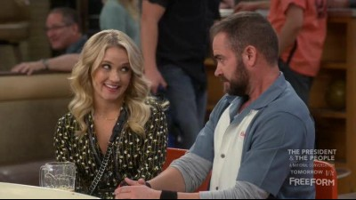 Young.and.Hungry.S04E07.HDTV.x264-FLEET.mkv (4)