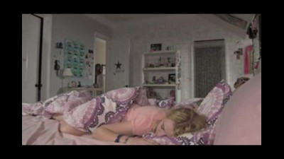 Paranormal Activity 4 (2012) CZ Dabing.avi (7)