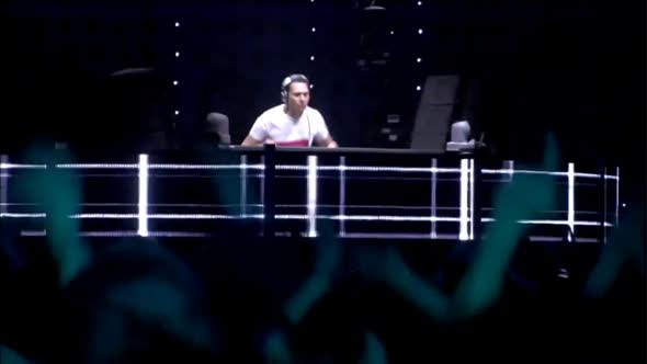 DJ Tiesto - Traffic (live) (1080p HD)(1080p_H.264-AAC).mp4