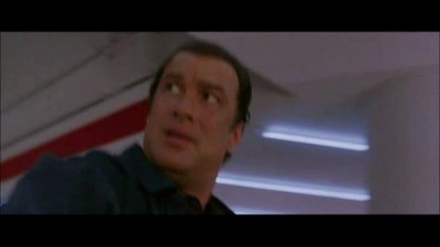 LOVEC-POLICAJTU-STEVEN-SEAGAL.avi