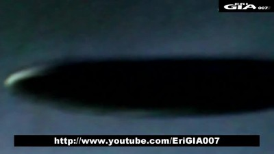 Amazing-Big-UFO-descends-from-the-cloud-in-Courcelles,-UFO-attacked-by-Russian-military-(HD).mp4 - www.xfactor.borec.cz.mp4