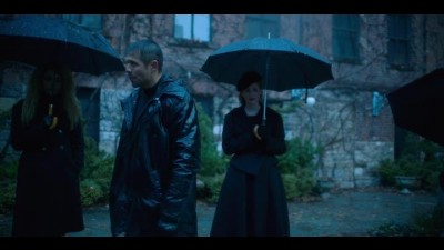 The.Umbrella.Academy.S01E01.WEBRip.x264-ION10.mp4
